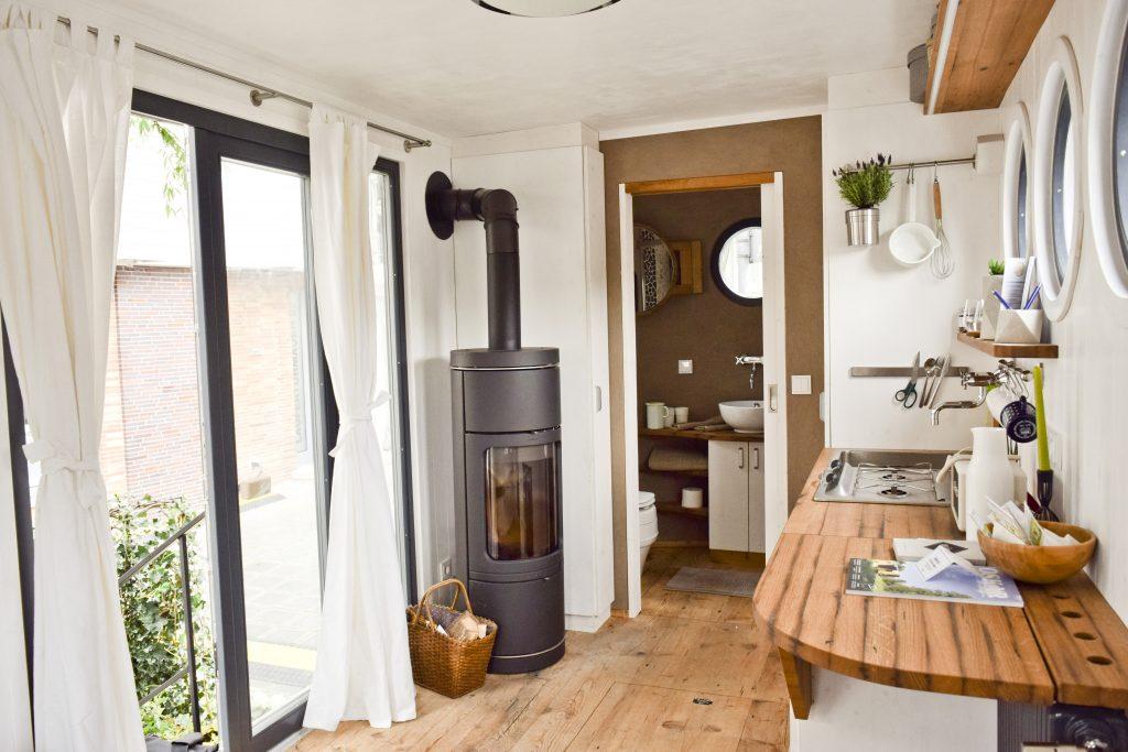 heizsysteme im tiny house diese m glichkeiten gibt es tiny houses. Black Bedroom Furniture Sets. Home Design Ideas