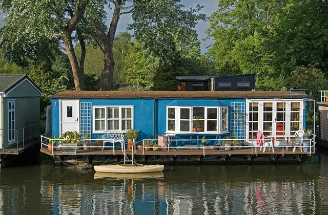 potentiell mobil und autark wohnen auf dem wasser tiny houses. Black Bedroom Furniture Sets. Home Design Ideas