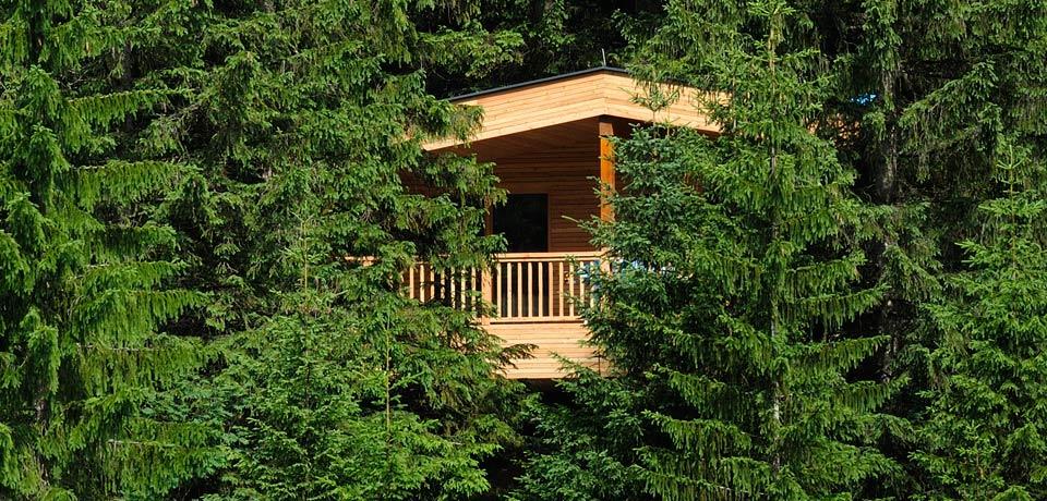 kranzbach-baumhaus-aussen-slide