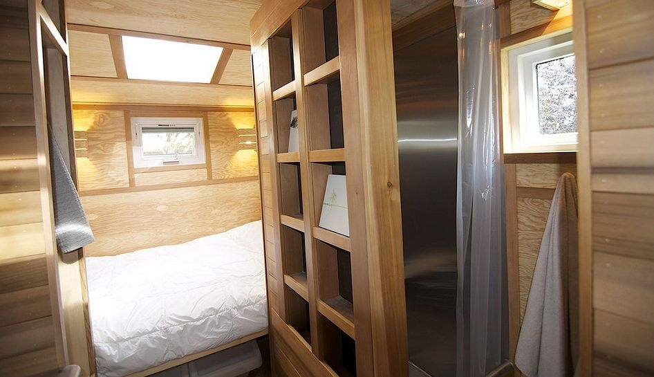 caramba geht s noch kleiner wohnen auf 9 qm tiny houses. Black Bedroom Furniture Sets. Home Design Ideas