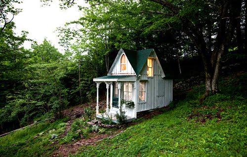 shabby streamside studio tiny houses. Black Bedroom Furniture Sets. Home Design Ideas