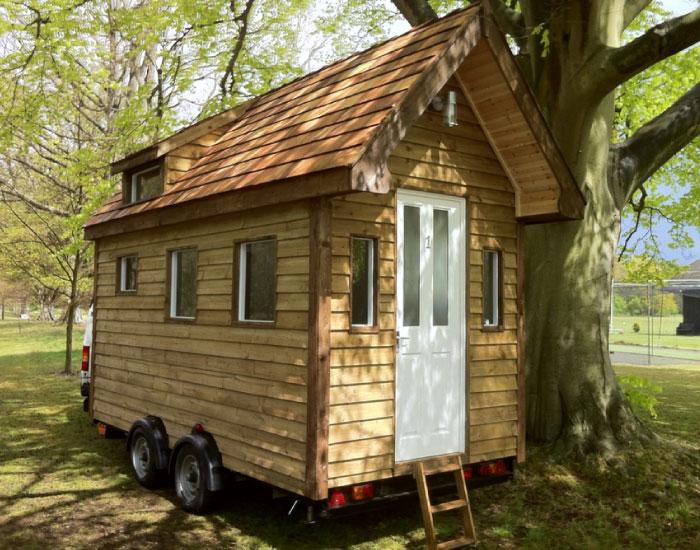 tiny houses minih user aus surrey england. Black Bedroom Furniture Sets. Home Design Ideas
